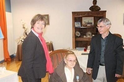 Marie-Magdeleine Le Bacquer reçoit la médaille du tourisme , Rostrenen 19/11/2012 - ouest-france.fr | Ma Bretagne | Scoop.it