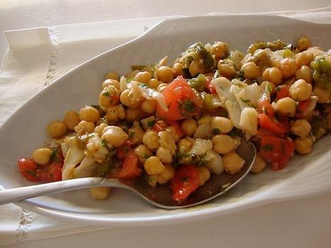 As Minhas Receitas: Salada de Grão de Bico com Bacalhau, Tomate e Pimento Assado | Foodies | Scoop.it