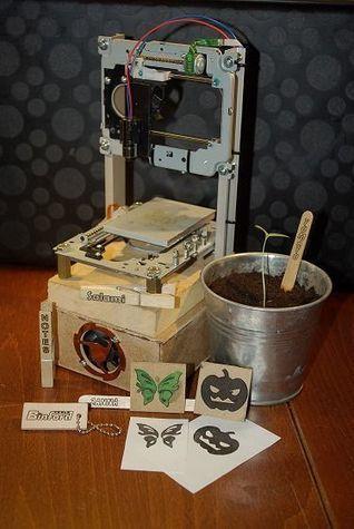 Pocket laser engraver. | MakerTech, Makerspaces and DIY | Scoop.it