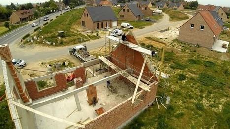La construction de maisons individuelles s'effondre../..Le sujet est rarement abordé par la ministre du Logement,C.Duflot. Probablement parce qu'elle ne porte pas dans son cœur la maison iindividuelle   La construction de maisons individuelles s'effondre   Scoop.it