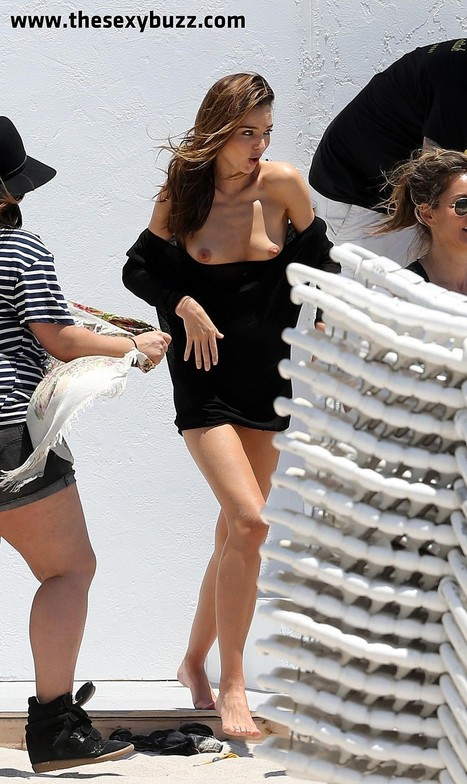 Oops les seins sexy de Miranda Kerr à Miami ! - photo | Radio Planète-Eléa | Scoop.it