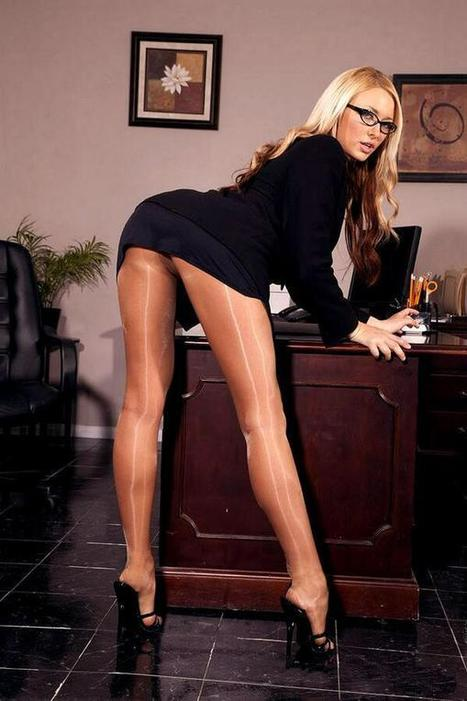 Twitter / thattightsguy: Secretary bent over in VERY ... | Shiny Pantyhose | Scoop.it