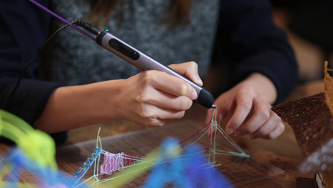 This 3D printing pen allows you to draw in thin air - @Mashable   I didn't know it was impossible.. and I did it :-) - No sabia que era imposible.. y lo hice :-)   Scoop.it