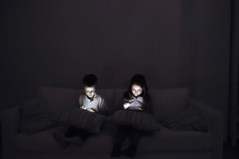 Children's sleeplessness may be linked to bedtime use of electronic gadgets | The DigiTeacher | Scoop.it