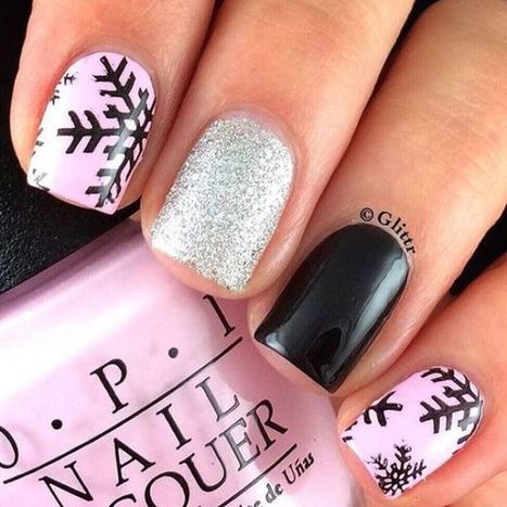 Christmas nails design 29 – Picturing Images | Fashion Home decor Tattoos Beauty Pictures | Scoop.it