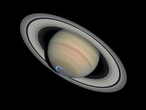 Aurora on Saturn | OntarioStargazing Astro Highlights | Scoop.it