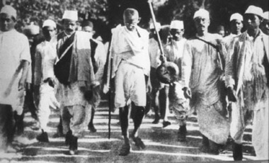12 mars 1930 - Gandhi entame la «marche du sel» - Herodote.net | Mme Fourcade-CDI: activité pédagogique-Gandhi | Scoop.it