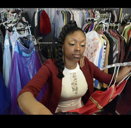 LAUNCHED: Student-run business provides low-cost prom dresses ... | Prom dresses | Scoop.it
