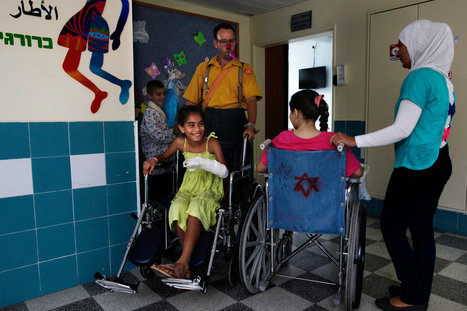 Across Forbidden Border, Doctors in Israel Quietly Tend to Syria's Wounded | Humanity | Scoop.it