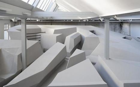 Un bureau open space sans table ni chaise | T2 - Travail, famille, ados, éducation | Scoop.it