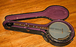 Gibson Longneck Banjo Circa 1930 Kalamazoo,... | Antiques & Vintage Collectibles | Scoop.it
