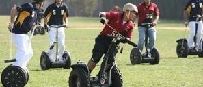 Oubliez le segway et les monoroues, voici le skateboard japonais motorisé | Geek or not ? | Scoop.it