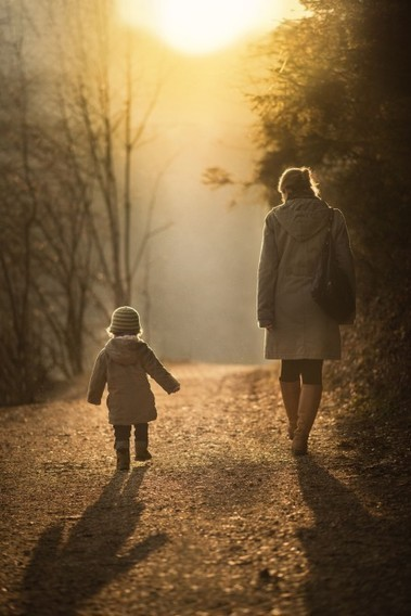 How To Take Magical Family Candids - DIY Photography | isunnyblue | Scoop.it