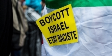 "Anti-#israel Activism Criminalized in the Land of #JeSuisCharlie #CharlieHebdo & ""Free Speech""-#BDS #Zionism #France 