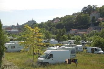 150 caravanes s'installent d'autorité à l'entrée du Puy-en-Velay - Le Progrès | Gens du voyage | Scoop.it