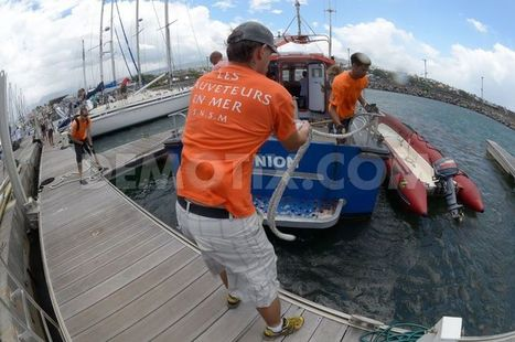 Reunion Island prepares for hurricane after a pre-warning was issued | Coup d'œil sur La Réunion | Scoop.it