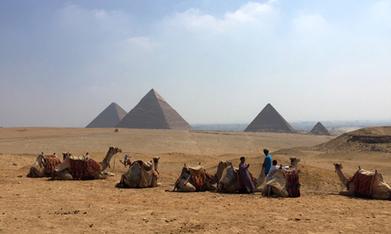 Three arrested for 'breaking off and selling' pieces of Giza pyramids - Politics - Egypt - Ahram Online | Bibliothèque des sciences de l'Antiquité | Scoop.it
