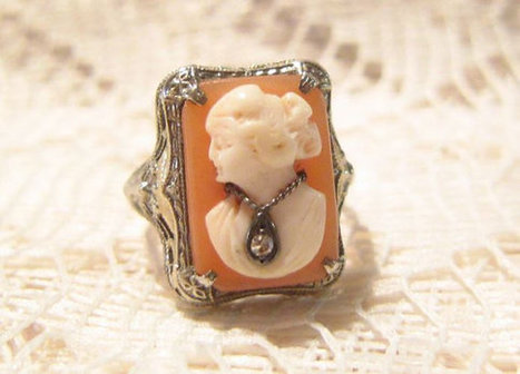 Vintage 14 KT White Gold Left Facing Shell Cameo Habille with Diamond Necklace Ring Size 5 | Fabulous Vintage Jewelry | Scoop.it
