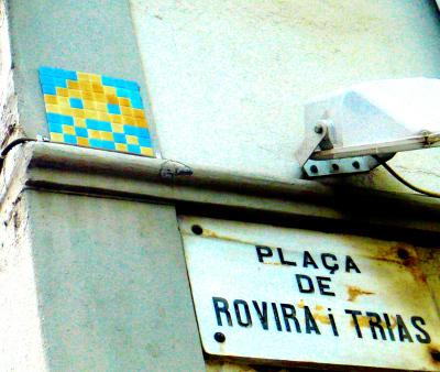 Invader et Rovira i Trias : Baroudage à Domicile   Barcelone EXpérimental   Scoop.it