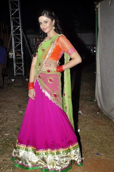 Anchor Sree Mukhi in Designer South Indian Half Saree 2015-16, Indian Fashion, Tollywood   Indian Fashion Updates   Scoop.it