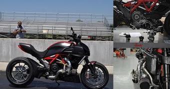 Unusual - Custom: A Christmas treat so your turbo Ducati Diavel! | Latest Bikes News | latestbikesnews | Scoop.it