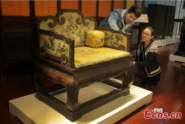 Qing Dynasty throne fetches $5.15 mln at auction | The Archaeology News Network | Kiosque du monde : Asie | Scoop.it