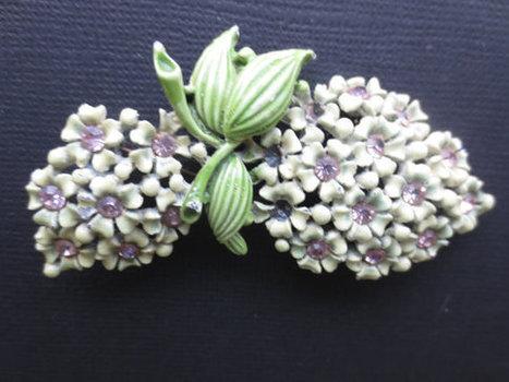 1950s green enameled metal and pink rhinestone flower bouquet brooch. Estate. vintage.   Vintage Jewelry   Scoop.it