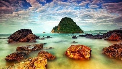 Pulau Merah Banyuwangi Wisata Pantai di Jawa Timur   [ *_DWI_BLOG_* ]   paket wisata bromo   Scoop.it