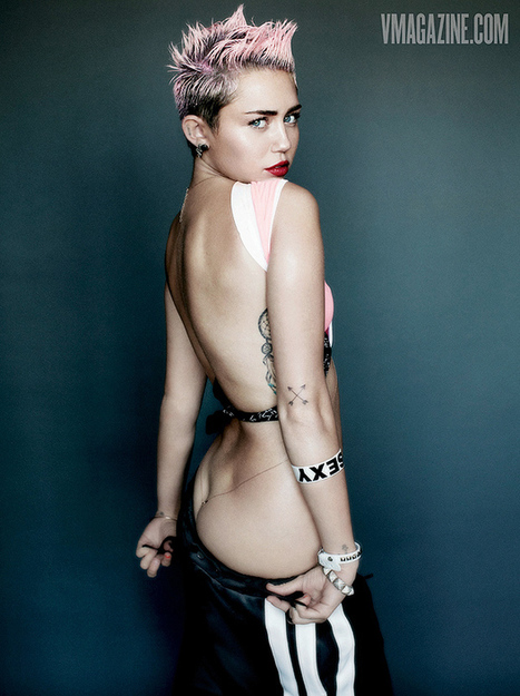 Miley Cyrus flashes a lot of skin | Soup for thought | Scoop.it