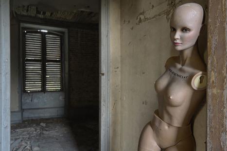 . living next door to Alice | Abandoned Houses | Scoop.it