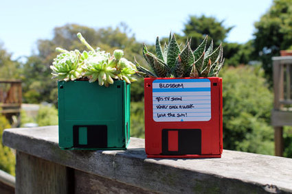 How to make a Floppy Disk Planter | Let's Upcycle! | Scoop.it
