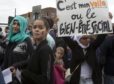 Signes politiques, signes religieux : une dangereuse analogie | Charte des valeurs québécoises et montée de l'extrême-droite en Europe | Scoop.it