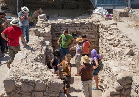 La catedrática Margarita Orfila Pons visita el yacimiento para dar sus impresiones | Cástulo, capital de Oretania | Scoop.it