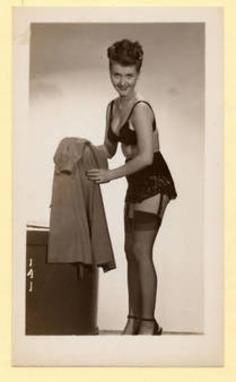 Vintage Photo -Semi Nude Girl Shows Lingerie 1599 | Lingerie Love | Scoop.it