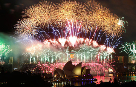 "Welcome 2012! New Year's Around the World! | ""#Google+, +1, Facebook, Twitter, Scoop, Foursquare, Empire Avenue, Klout and more"" 
