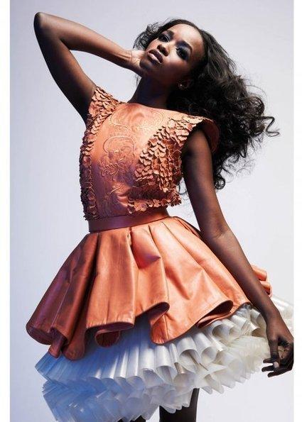 The best of ebony girls on the Net (Beautiful ebony girl with long black hair wears a...) | Ebony girls Fashion and Hair | Scoop.it