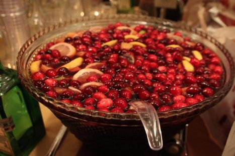 Sweet, Simple Cranberry Sangria for the Holidays | Food for Foodies | Scoop.it