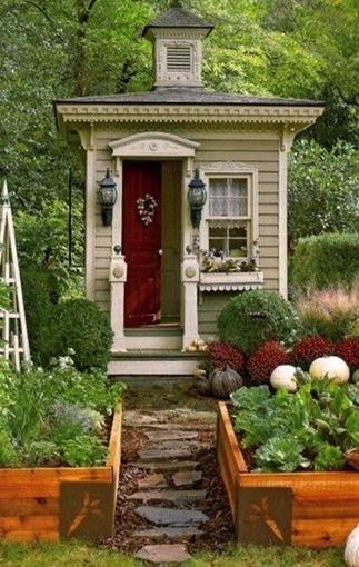 Garden Decor: Over-the-top Garden Shed | A Gardener's Notebook | Gardening | Scoop.it