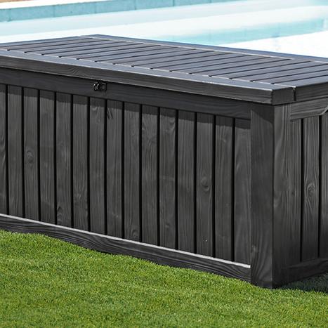 Une terrasse mobile pour couvrir votre piscine - Combien coute une piscine naturelle ...