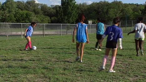 Refugee kids soccer club takes off - KSAT San Antonio | Soccer and Social Change | Scoop.it