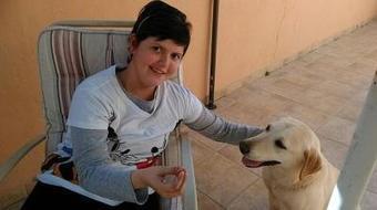 Una madre de Fuengirola lucha por que su hija vaya al instituto con su perra de asistencia médica   I didn't know it was impossible.. and I did it :-) - No sabia que era imposible.. y lo hice :-)   Scoop.it