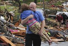 Joplin Globe's Facebook page locates, reunites missing people in tornado aftermath | Poynter. | Social media news | Scoop.it