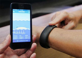 iDevice Manufacturer Foxconn Shows Off Prototype Smartwatch With Health Sensors | Stuff | Scoop.it