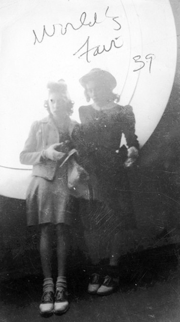 Two Woman at 1939′s World's Fair | Herstory | Scoop.it