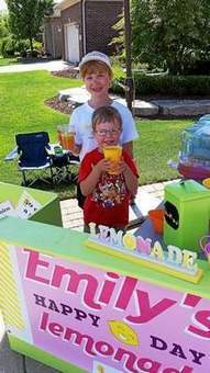 Macomb student's lemonade stand earns over $4,000 for charity - The Macomb Daily | ProjectGoodwill | Scoop.it