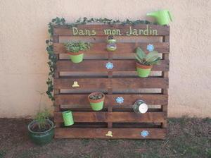 39 pots de fleurs 39 in diy palettes - Jardin vertical avec palette ...