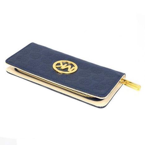 Shop Michael Kors Logo-Print Large Blue Wallets at Prettybagoutlet | Michael kors Wallets | Scoop.it