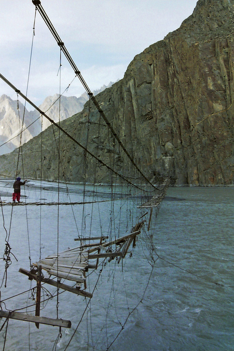 Crossing the Indus in the Hunza Valley.. | Pakistan & The World | Scoop.it