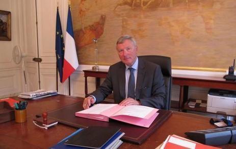 «J'ai agi pour faire respecter les lois» Le Préfet Erard Corbin de ... - Le Parisien   LAURENT MAZAURY : ÉLANCOURT AU CŒUR !   Scoop.it