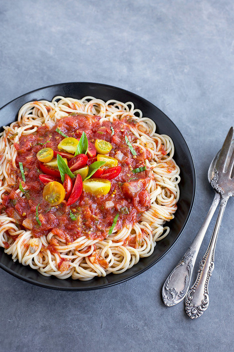 Roasted Tomato Basil Sauce over Brown Rice Spaghetti ⋆ | Everything about cooking and recipes | Scoop.it